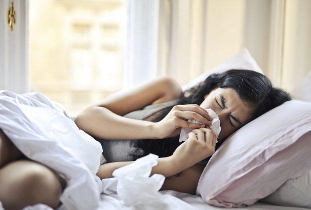 Domowe sposoby na popularne choroby. Jakie warto znać