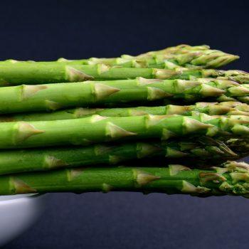 Ile gotować szparagi, jak ugotować ziemniaki… Porady kulinarne
